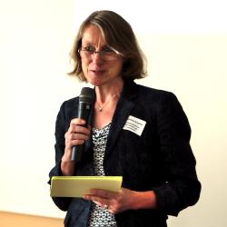 Moderatorin Dr. Bettina Knothe